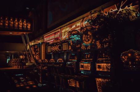 Ce sunt sloturile progresive și cum funcționează