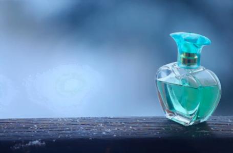 Cum crești intensitatea și rezistența parfumului?