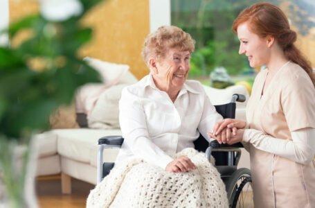5 aspecte cheie care arată că ai ales cel mai bun cămin de îngrijire bătrâni