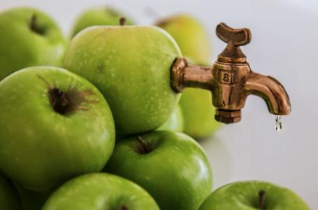 4 calităţi ale sucurilor de mere de la SucAroma