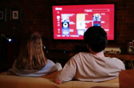 4 specificații pentru care merită să investești într-un Smart TV