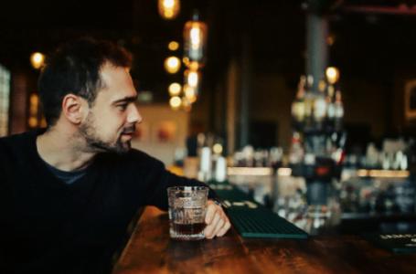 Amenajarea unui bar acasă: 6 pași de urmat