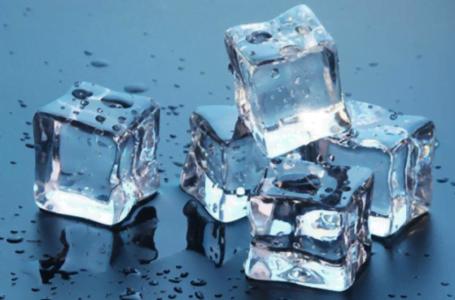 Mașină de gheață: ce model este potrivit pentru firma mea?