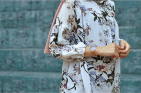 Top 5 bluze elegante ușor de asortat