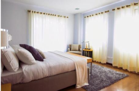 Atmosfera romantică în dormitor: 6 trucuri cu efect garantat