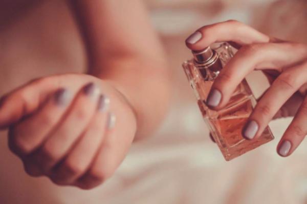 Parfumuri de vară: 3 note potrivite pentru sezonul cald